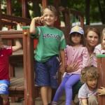 Zabawy na świeżym powietrzu w Niepublicznym Przedszkolu Tęczowa Kraina w Szczecinie